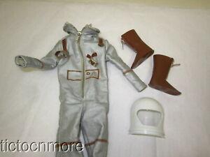 VINTAGE BARBIE KEN DOLL FASHION CLOTHES #1415 Mr. ASTRONAUT UNIFORM & BOOTS