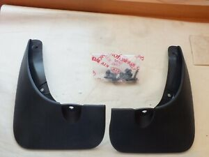 New Genuine Kia Rio 5dr 05-06 Rear mud flap kit  P8460-1G600  K22