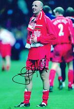 "Mano firmado ""Gary McAllister-Liverpool"" 12"" X 8"" Foto. (cert. de autenticidad)"