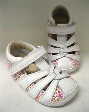 Premières chaussures blancs pour bébé