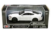 Motormax 1:24 2018 White Ford Mustang GT 5.0 Model Car w/Black Stripe 79352WHBK