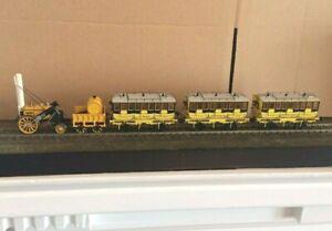 Hornby Model Railways 00 Gauge Stevenson's Rocket Locomotive & Coaches