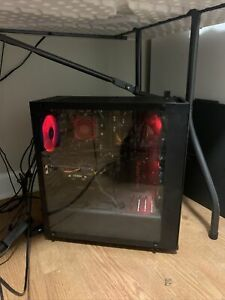 gaming computer desktop w Mouse, Keyboard, And Monitor