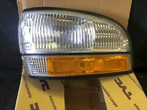 GM 16513617 92-96 buick lesabre corner park light turn signal drivers side LH