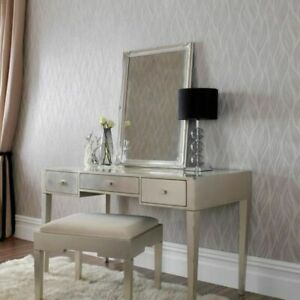 Sway leaf Textured Wallpaper in Off White Mica - 4 x rolls for 1 price