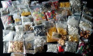 SHEGRACE Kit di Creazione di Gioielli con Perline Colorate 4 mm da Fai-da-Te per La Fabbricazione di Perle di Argilla Polimerica per Gioielli con Bracciale