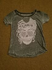 Aeropostale Made In NY design XS skull tee with front cut out vintage style