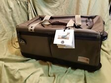 NWT - HEX GRID CARRY ON ROLLER