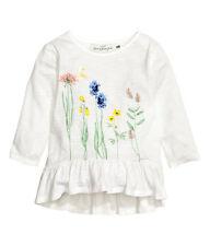H&M Jerseyshirt in weiß, mit Volant, Baumwolle, Gr. 134/140, NEU