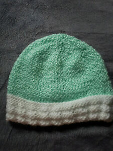 HAND KNITTED BABY HAT ,3/6 MTHS,COTTON,GREEN ,WHITE