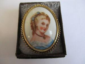 Vintage Limoges jewellery cameo brooch