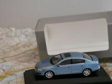 MINICHAMPS VW PASSAT B6 BLUE DEALER-VERSION NEW DIE-CAST 1:43 ART.836920102 NEW