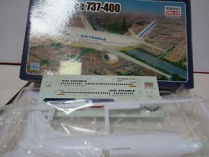 Boeing 737-300, 1/144° Minicraft