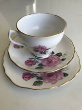 BONE CHINA F 3 ROYAL VALE - MADE IN ENGLAND A PRODUCT OF RIDGWAY POTTERIES LTD