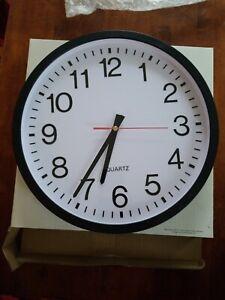 "UNIVERSAL Round Wall Clock 12 5/8"" dia. Black 10431"