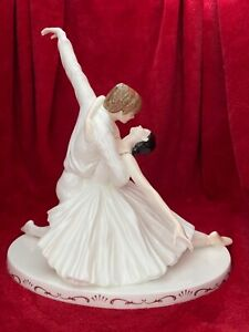 "Coalport Limited Edition ""Fonteyn & Nureyev"" figurine by Maureen Halson 619/1250"