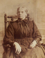 ANTIQUE CABINET PHOTO RESPECTABLE SERENE GRAND LADY FROM SAC CITY IA 1880-90s