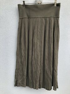 SUSSAN khaki pleated midi skirt, size 18