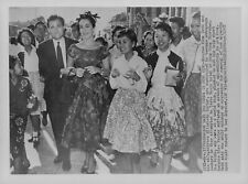 1957 Producer Mike Todd & Elizabeth Taylor in Hong Kong Wire Photo