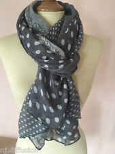 dac888260bb Écharpes et châles foulards gris avec des motifs À Pois pour femme ...