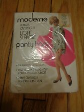 Vintage Panty Hose Pantyhose Moderene Cantrece II  Light Support White
