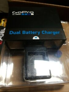 GoPro Dual Battery Charger (HERO3+, HERO3) (GoPro Official Accessory)