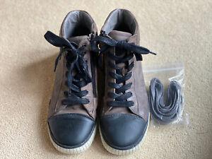Bellamy Isman Grey Leather Boys Boots Size EU35 UK 2.5
