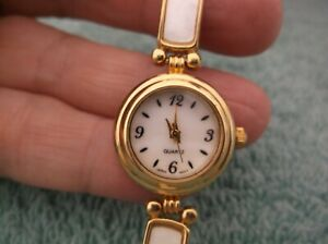 Vintage Avon Ladies' Goldtone & MOP Quartz Watch ~ New Battery