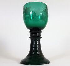 Glas Römer, Weinlaub Trauben, Russisch-Grün, Handschliff, um 1860 AL181