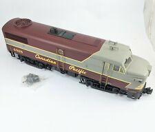 Aristo-Craft 22310 G Santa Fe ALCO FA-1 Powered Diesel Locomotive with box