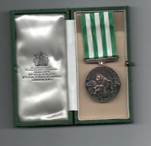 REPUBLIC OF MALAWI. BRAVERY MEDAL. A SUPERB SILVER MEDAL IN ORIGINAL SPINK CASE