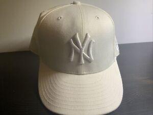 ALL WHITE Yankee Cap - New Era 59 Fifty Size 7 3/8, 100% Wool