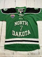 North Dakota TJ Oshie Fighting Sioux Hockey Jersey Logo Size Large RARE EUC