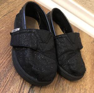 TOMS Classic Glitter Sparkle Slip On Flats Size 7 Glimmer Black