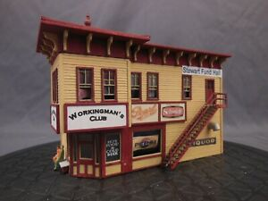 HO SCALE WOOD CRAFTSMAN BUILT LAYOUT STRUCTURE/BUILDING BAR DINER CLUB BB0201