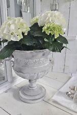 Runde Deko-Blumenübertöpfe im Antik-Stil