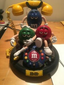 M&M's Candy ANIMATED Talking Light-Up TELEPHONE Phone Red Green Blue Couch