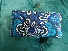 Vera Bradley hard Eyeglass Case. Magnetic closure Blue Tapestry NWT
