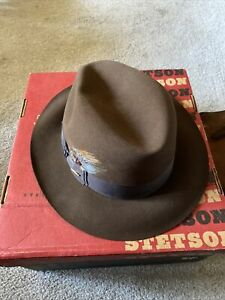Stetson Fedora Sovereign Brown Hat Size 7 7/8 R. The Temple. Mink. Very Nice.