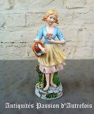 B2016653 - Figurine en biscuit de porcelaine 1950-70 - Très bon état