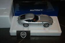 1/18 TOYOTA 2000 GT SILVER AUtoart SEE INFO! SUPERB!!