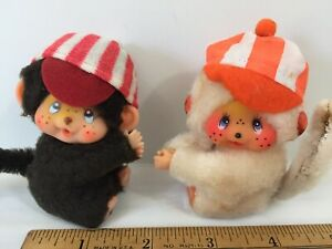 """VTG Pair Of (2) Monchichi Clip On Hands Huggers Figures 2"""" X 3"""" 1979 Taiwan"""