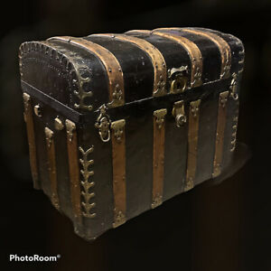 1800s HUMPBACK DOME STEAMER TRUNK - Very Nice Metal Detailing
