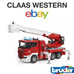 Bruder FIRE ENGINE With Working Ladder Extends Rotates 03590