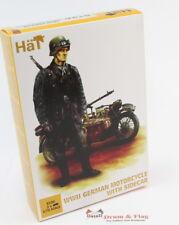 HAT 8126 WWII GERMAN MOTORCYCLE & SIDECAR - 1:72 SCALE. Plastic figures / kit.