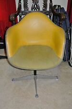 VINT 1975 HERMAN MILLER ARM CHAIR FIBERGLASS SHELL LEATHER UPHOLSTER FURNITURE