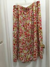 Laura Scott, ladies skirt, size 3X, Pretty floral print, elestic waist....EUC