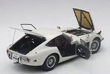 TOYOTA 2000GT (WHITE) AUTOART MODEL 1/18 #78753