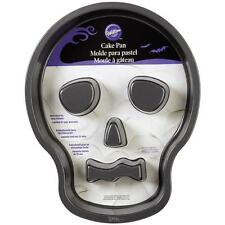 Wilton SKULL Head Cake Pan w/FLUTES Halloween Skeleton, Non-Stick!