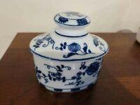 Vienna Woods Fine China Sugar Bowl Vanity Jar w/lid Blue Onion